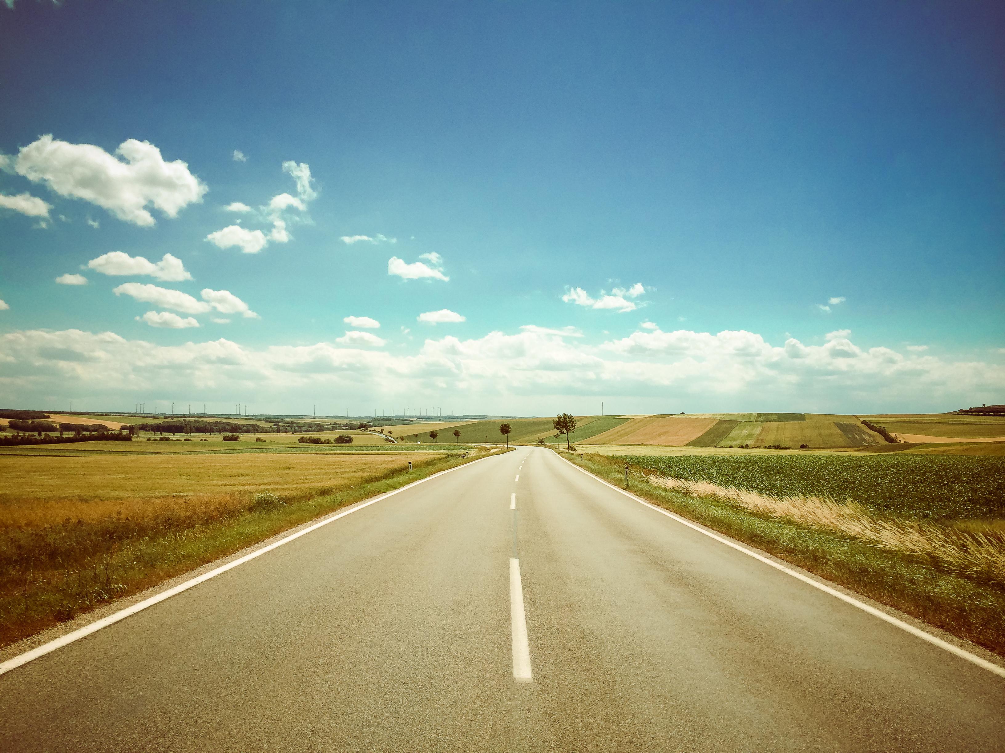 organiser son voyage en voiture image route